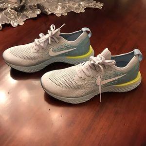 BRAND NEW Women's Nike Epic React Flyknit